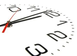 На какой срок заключается срочный договор