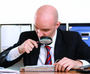 Проверка документов при приеме на работу