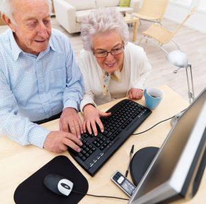 Можно ли встать на биржу труда пенсионеру