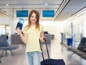 Выезд ребенка за границу: документы, разрешение, до 1 года, без сопровождения