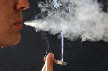 Если соседи курят в подъезде