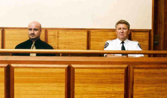 Кто обеспечивает явку ответчика в суд